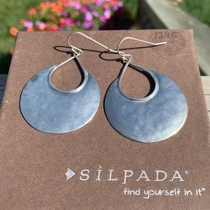 W1539 Silpada sterling Hal moon bay earrings